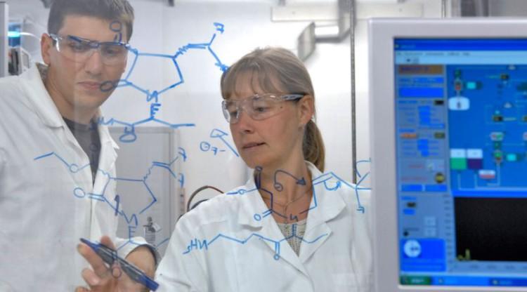 Verdubbeling aantal vacatures in chemie- en farmasector