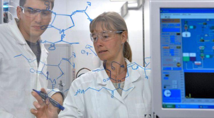 Plus de 700 emplois vacants dans le secteur de la pharma et de la chimie en Wallonie