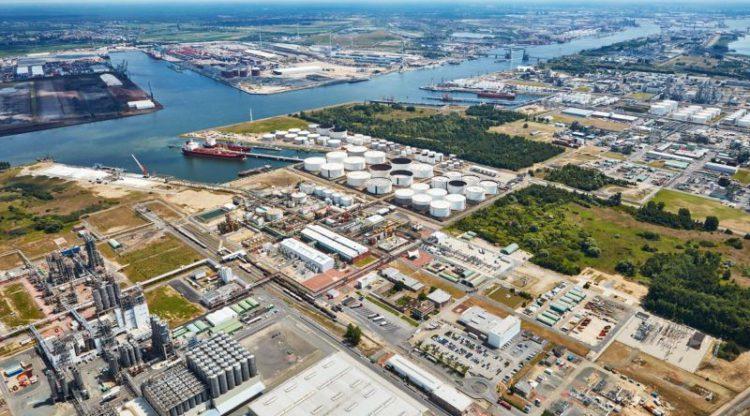 INEOS kondigt mega-investering aan in haven van Antwerpen. Grootste investering in chemische industrie in Europa in 20 jaar