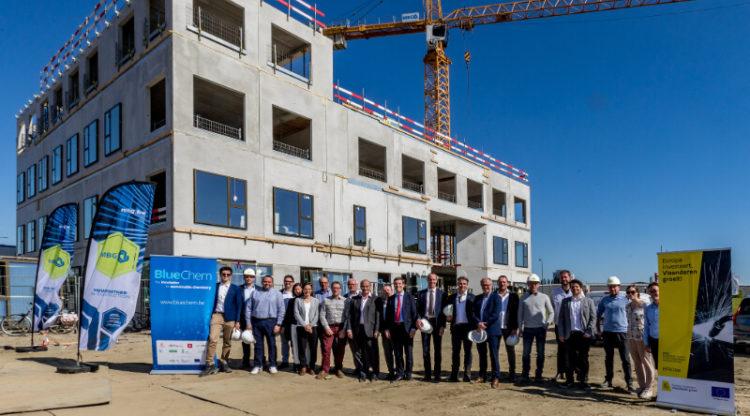 Chemie-incubator BlueChem sluit belangrijke samenwerkingsakkoorden