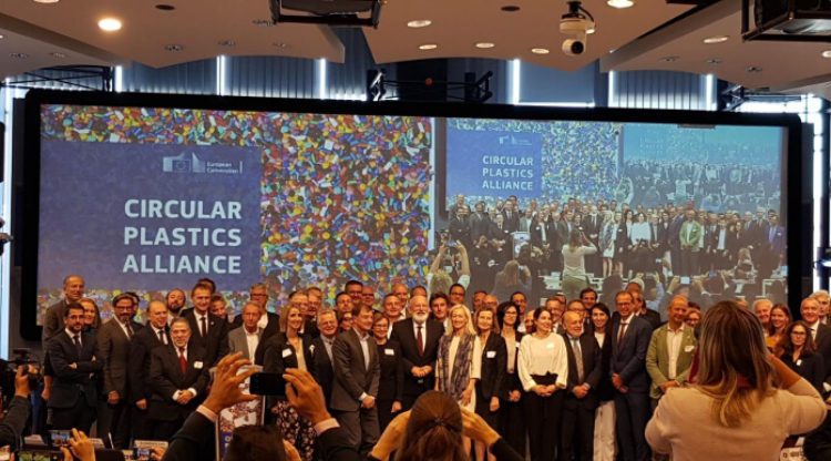 essenscia sluit zich aan bij de Circular Plastics Alliance voor meer en betere recyclage