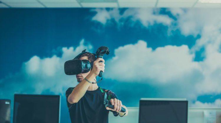 Duizenden jongeren proeven van technologie en chemie op Let's Get Digital