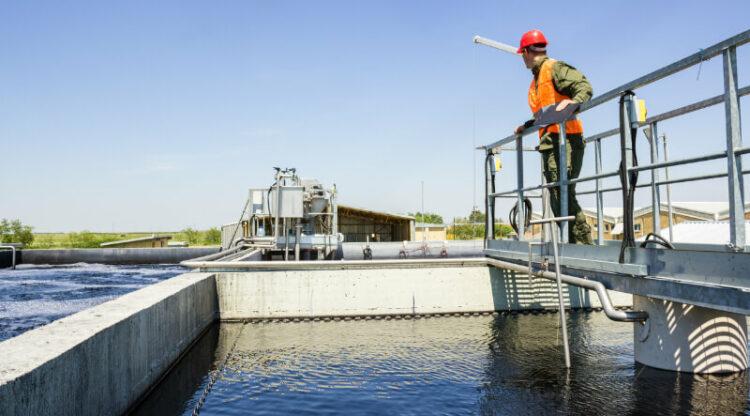 Meer dan 50 chemie- en farmabedrijven stappen in  sectoraal actieplan om minder water te verbruiken