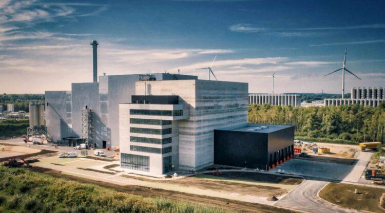 Chemiebedrijf Borealis haalt stoom en stroom uit niet-recycleerbaar huishoudelijk afval