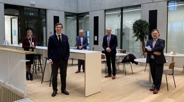 SGS Belgium wordt zesde strategische partner  van chemie-incubator BlueChem