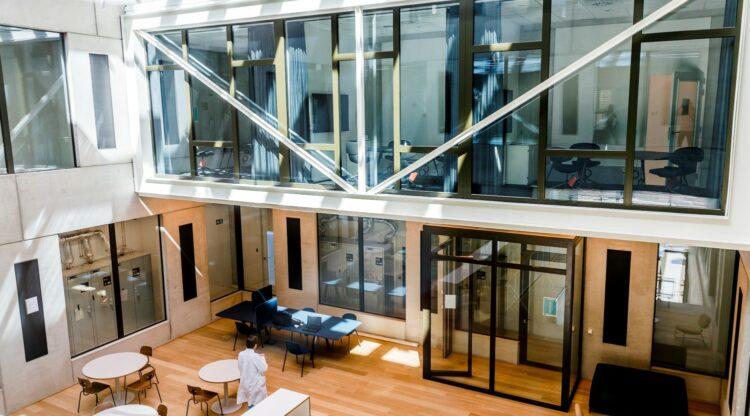 1 jaar BlueChem: meer dan 100 jobs, 18 bedrijven en tal van innovaties voor de chemie van de toekomst